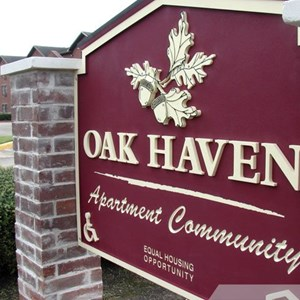 Oak Haven Monument Sign