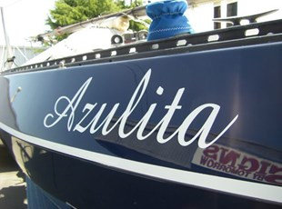 Azulita Boat Graphic