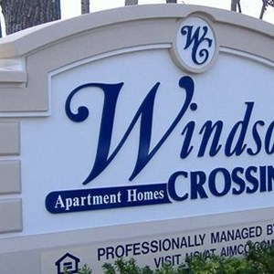 Monument - Windsor Crossing
