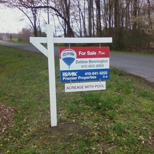 Remax Yard Arm Real Estate Sign