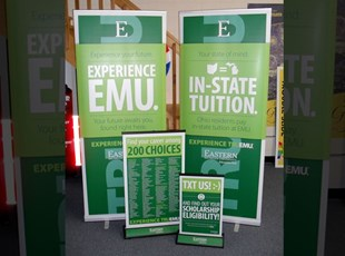 EMU Retractable Banner Stands