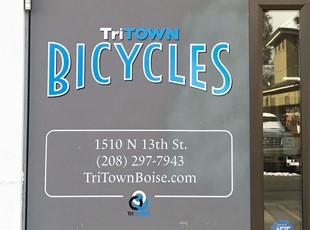 Door Lettering | Outdoor Vinyl Lettering & Graphics | Retail | Boise, Idaho