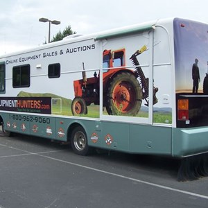 A partial wrap on a 34' RV