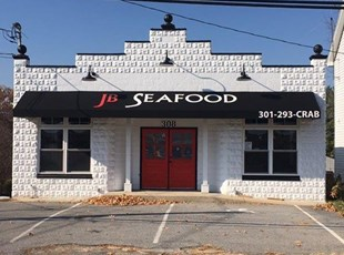 Awning Recover for JB Seafood in Middletown, MD